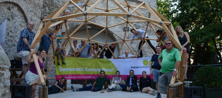 Alternative Family Photo: Democratic Europe Now!, Dome for Democracy, Bratislava