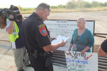 Citizens of Denton protesting against fracking, source: Flickr, Blackland Prairie Rising Tide