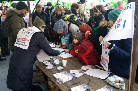 """Stop TTIP"" collecting signatures for the self-organised ECI (Photo by Stop TTIP)"