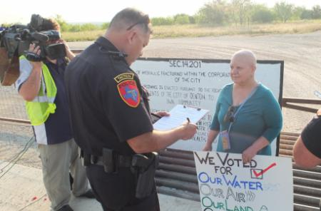 Citizens of Denton protesting against fracking, source: Flickr, Blackland Prairie Rising Tide