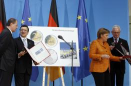Barroso, Merkel and Pöttering signing the Berlin Declaration. Source: EC Audiovisual Service